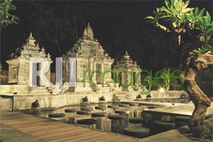 Aroma Resort Klasik Hindu Jawa Tirto Raharjo Ethnic Wooden House