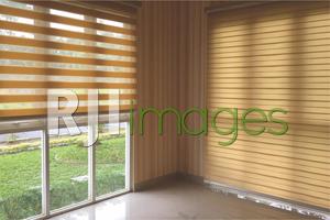 Contoh aplikasi rainbow blinds pada jendela rumah