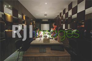 Meeting room dengan konsep private & elegan