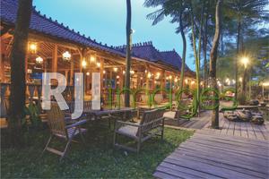 Perpaduan bangunan Jawa dengan nuansa natural area outdoor