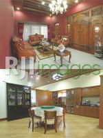 Ruang tamu, area ruang makan dan dapur bergaya minimalis dalam dominasi unsur ka